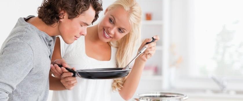 Jak jedzą Polacy? Co warto zmienić w naszej codziennej diecie?