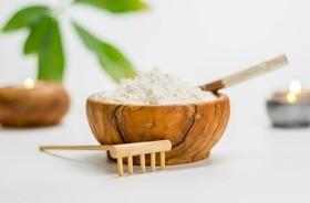 Kaolin (glinka porcelanowa, glinka biała) – jakie ma właściwości?