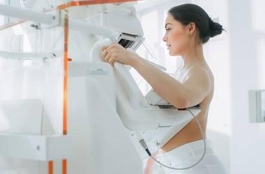Mammografia – przebieg badania, wskazania, grupy ryzyka