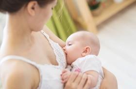 Dieta matki karmiącej – jak powinna wyglądać? Czy podczas karmienia piersią można jeść wszystko?