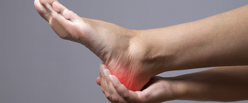 Ból pięty – jakie mogą być przyczyny bolącej pięty i jak leczy się bóle pięt?