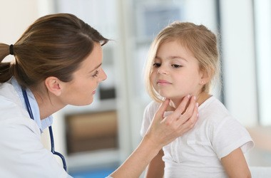 Niedoczynność tarczycy u dzieci – przyczyny, objawy, leczenie