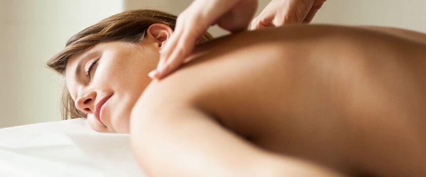 Jak rozluźnić mięśnie karku i szyi?