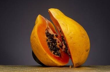 Papaina – czym jest? Właściwości i zastosowanie papainy