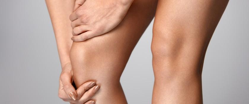 Ból pod kolanem (z przodu, z tyłu i przy zginaniu) – przyczyny, diagnostyka, leczenie bólu pod kolanem