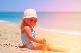 Dziecięce oparzenie słoneczne może skończyć się czerniakiem