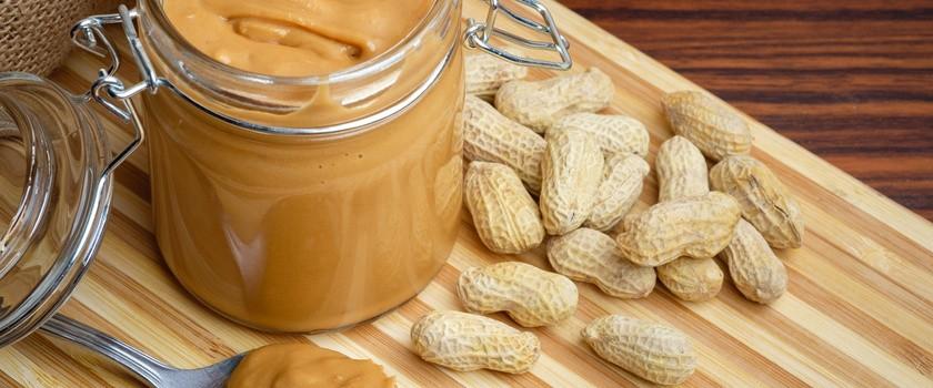 Orzechy, a masło orzechowe - jak je zrobić, z czym jeść oraz właściwości prozdrowotne