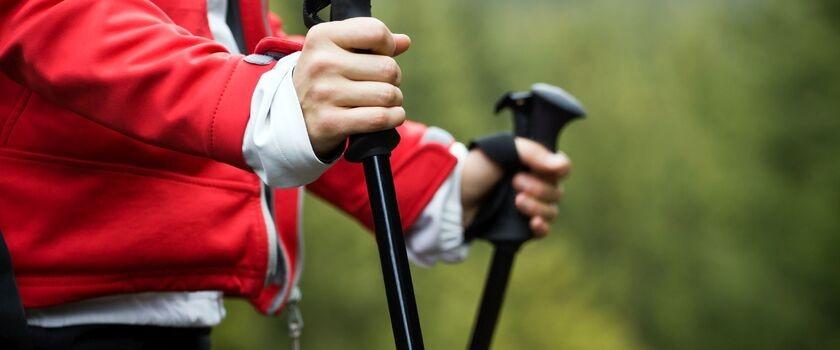Nordic walking - co to jest? Jak chodzić i prawidłowo dobrać kije?