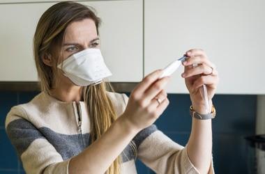 Przeziębienie, grypa, alergia czy COVID-19? Jak je od siebie odróżnić?