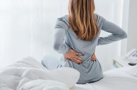 Ból pleców na dole – przyczyny, diagnostyka, leczenie, fizjoterapia przy bólu pleców w odcinku lędźwiowym kręgosłupa
