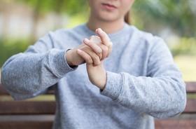 Choroba zwyrodnieniowa stawów — przyczyny, objawy i leczenie