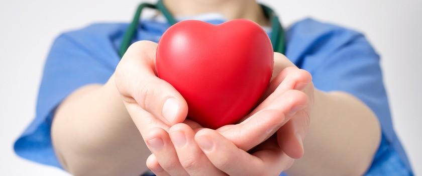 Przeszczepianie serc się nie opłaca