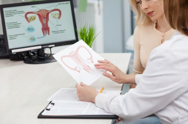 Czy istnieje szansa na przywrócenie płodności kobiet z wczesną menopauzą? Nowatorska terapia przywracająca funkcję jajników