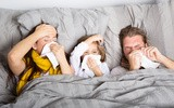 Opieka nad chorym dzieckiem – jak się nie zarazić?