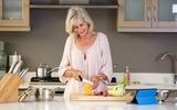 Dieta po 50. roku życia dla kobiet i mężczyzn – jak powinna wyglądać? Jak schudnąć po pięćdziesiątce?