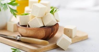 Tofu – wartości odżywcze i właściwości twarogu sojowego. Zdrowe przepisy z serem tofu