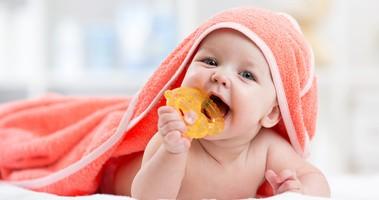 Ząbkowanie – jak pomóc maluchowi?