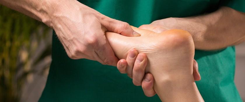 Refleksologia – czym są punkty refleksyjne na stopach? Na czym polega refleksoterapia?