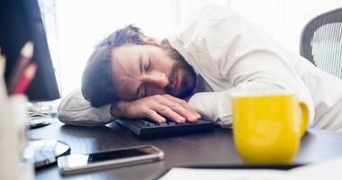 Hipersomnia – jak pokonać ciągłą senność?