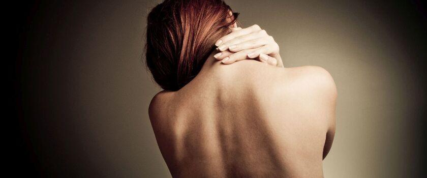 Bóle mięśni w okolicy barków i ramion