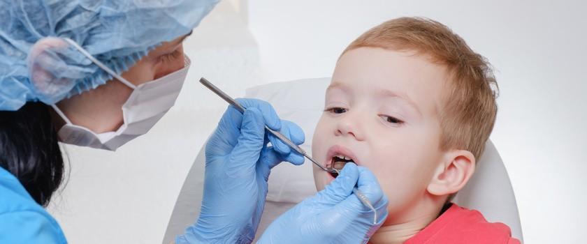 Dziury w dziecięcej opiece stomatologicznej