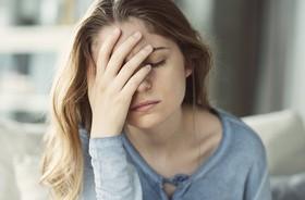 Migrena – przyczyny, objawy, leczenie migrenowego bólu głowy. Domowe sposoby na migrenę
