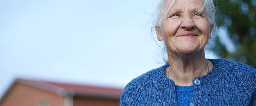 Jak uzyskać opiekę nad osobą starszą?