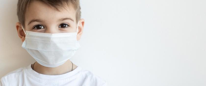 Naukowcy wiedzą, czemu dzieci łagodniej przechodzą zakażenie Covid-19