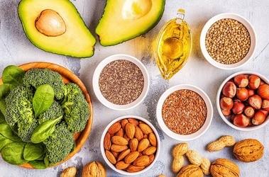 Kwasy tłuszczowe omega-9 –  właściwości, rola w organizmie, najlepsze źródła NNKT