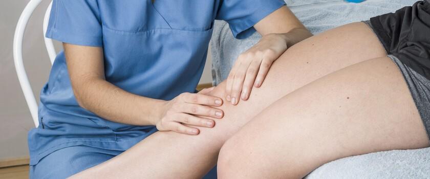 Lateralizacja rzepki – przyczyny, objawy, leczenie, ćwiczenia przy bocznym przyparciu rzepki