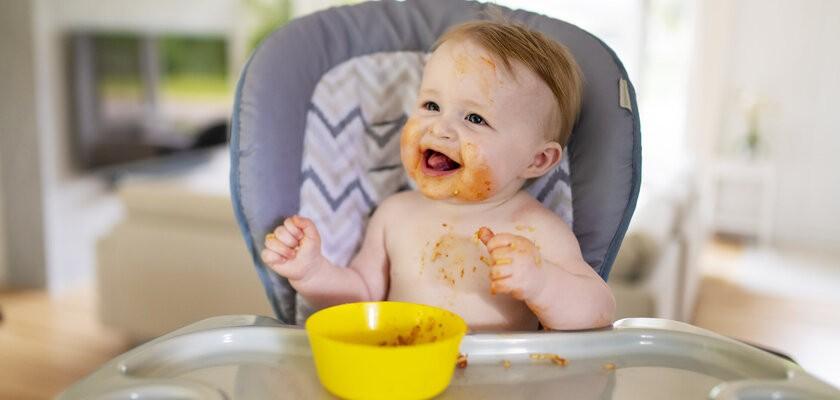 Jakich produktów nie podawać niemowlakowi? Jadłospis dziecka do ukończenia 1. roku życia