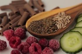 PCOS a dieta – co jeść, a czego unikać przy zespole policystycznych jajników