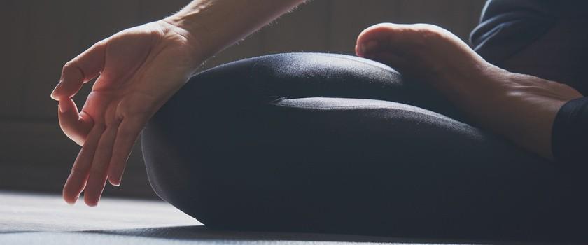 Joga okiem fizjoterapeuty – metody, pozycje, przeciwwskazania. Co daje joga?