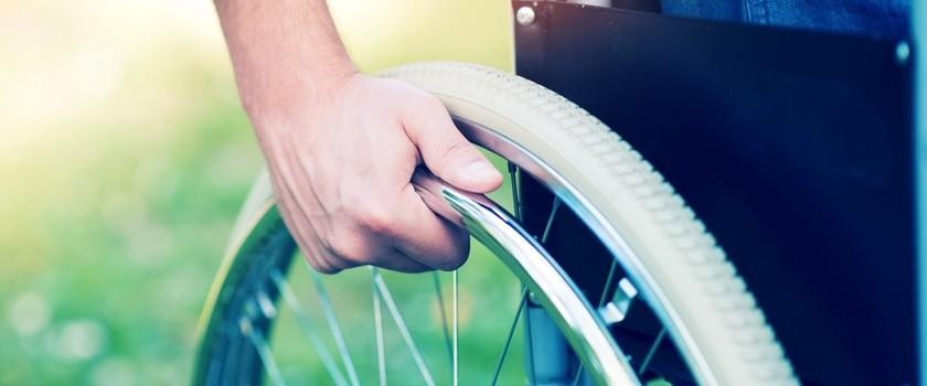 Niepełnosprawni obchodzą swój dzień – jak im pomóc?
