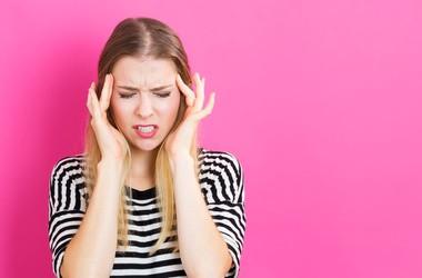 Napięciowy ból głowy – przyczyny objawy, diagnostyka. Jak sobie radzić z naczynioruchowymi bólami głowy?