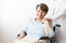 Choroba Parkinsona - pierwsze objawy, leczenie, przyczyny i ćwiczenia