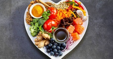 Dieta po 40. roku życia dla kobiet i mężczyzn – jak powinna wyglądać? Jak schudnąć po czterdziestce?