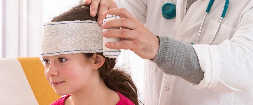 Wstrząśnienie mózgu u dziecka - objawy, leczenie i powikłania