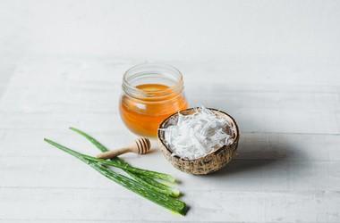 Maseczka na włosy z oleju kokosowego – 3 sprawdzone przepisy