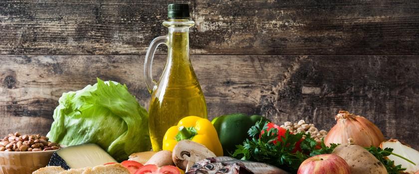 Dieta śródziemnomorska – zasady, efekty, profilaktyka w chorobach