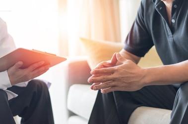 Problemy z erekcją –jak stres, zmęczenie i zaburzenia układu hormonalnego wpływają na wzwód?