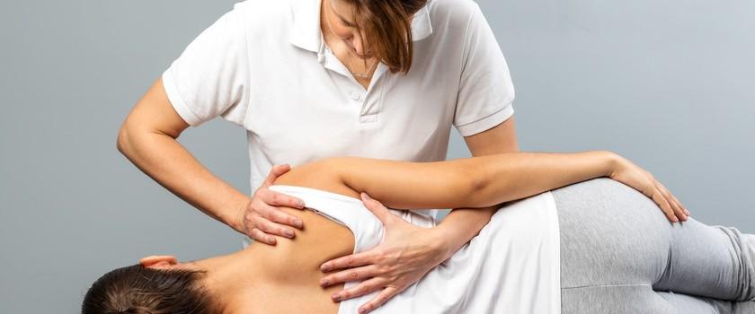 Osteopatia – czym zajmuje się osteopata i w jakich chorobach może pomóc?