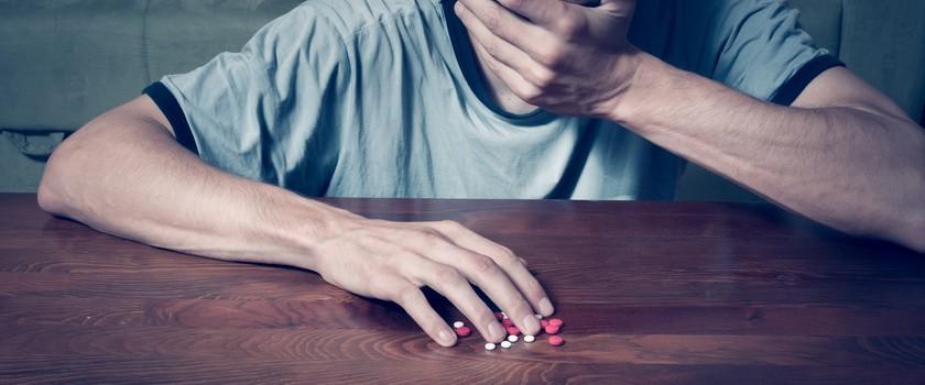 Uzależnienie od leków – jak rozpoznać i leczyć lekomanię?