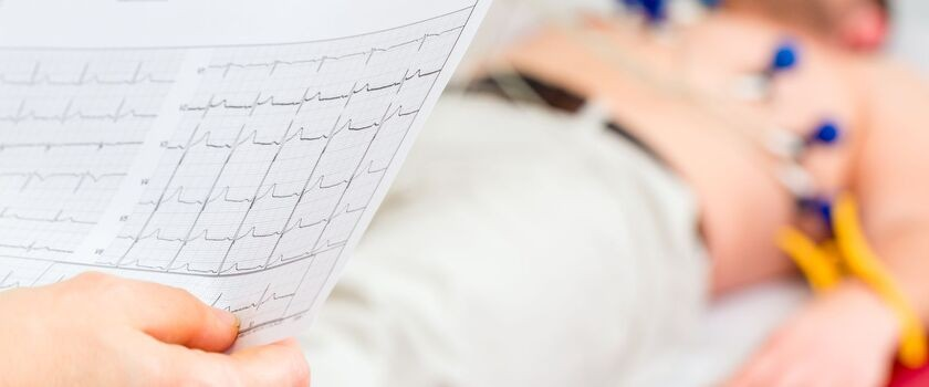 Ostre cięcia w kardiologii – czy stracą pacjenci?