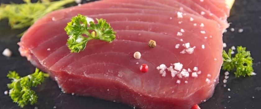 Scombrotoksizm (zatrucie rybami) – jak się objawia i jak je leczyć? Jak uniknąć zatrucia rybą?