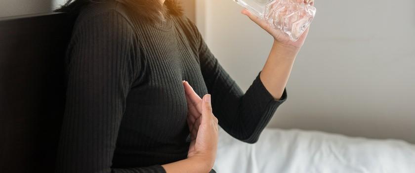 Refluks – przyczyny, objawy, rodzaje i zapobieganie