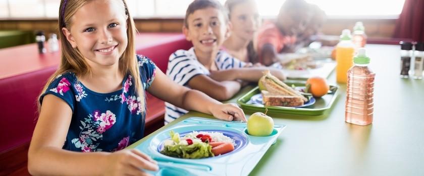Mleko, warzywa i owoce w każdej szkole