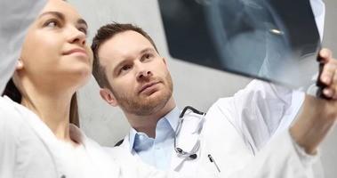 RTG –  Jak się przygotować do badania? Zalecenia, wskazania, ceny