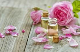 Olej różany w kosmetyce – właściwości i zastosowanie olejku różanego