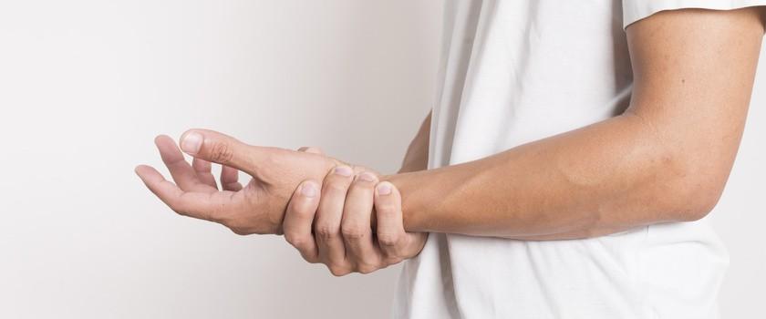 Drętwienie prawej ręki - przyczyny i objawy